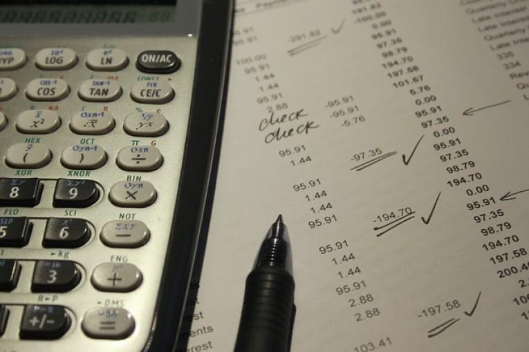 Stora prisskillnader. Se upp för elhandlare med oseriösa elavtal