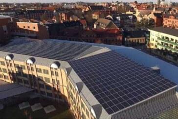 Stor solcellsanläggning på P-hus invigd i Lund